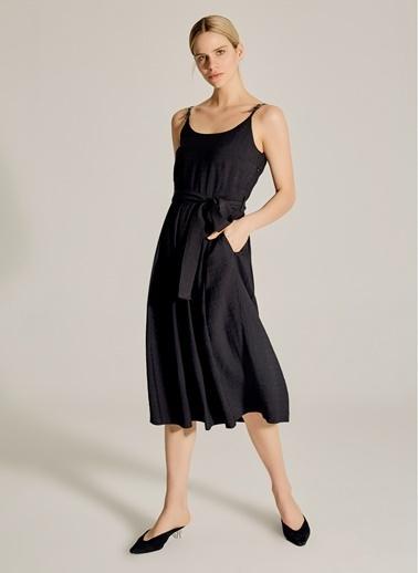 NGSTYLE Suni Deri Kemer Askılı Elbise Siyah